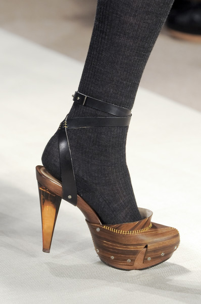 Brian Reyes Fall 2010 - Details