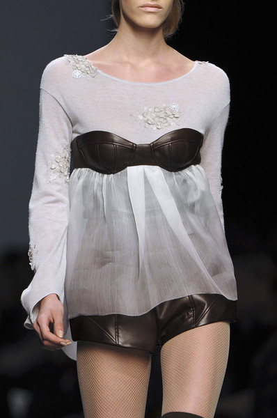 Cornet at Milan Fall 2010 (Details)