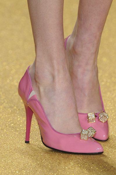 Enrico Coveri Fall 2010 - Details