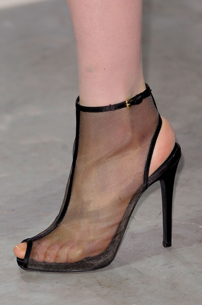 Giambattista Valli Fall 2013 - Details