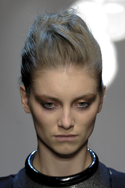 Gianfranco Ferré at Milan Fall 2013 (Details)