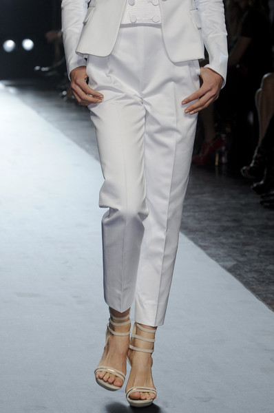 Gianfranco Ferré at Milan Spring 2011 (Details)