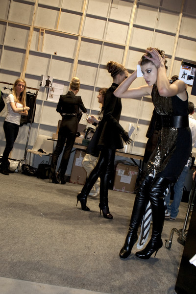 Guy Laroche Fall 2009 - Backstage