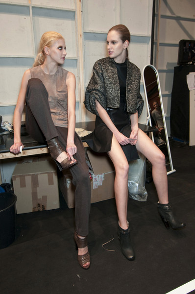 Guy Laroche Fall 2010 - Backstage