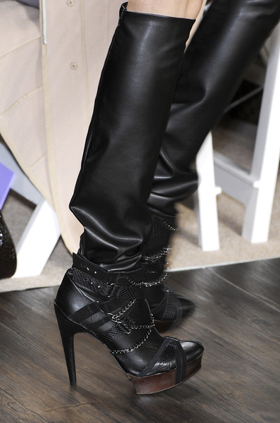 Hervé Léger by Max Azria at New York Fall 2009 (Details)