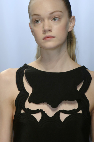 Hussein Chalayan Fall 2006 - Details