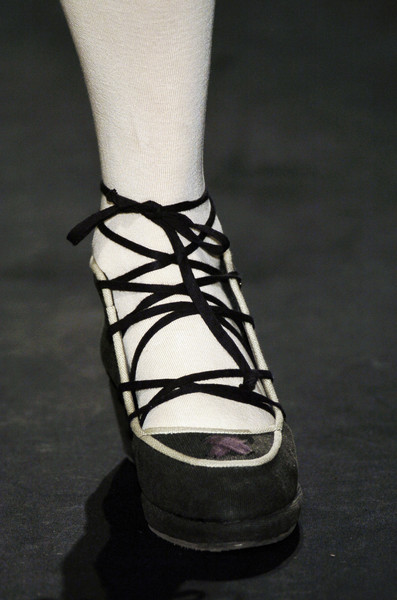 Jessica Ogden at London Fall 2006 (Details)