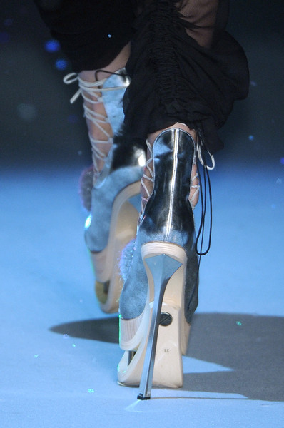 John Galliano Fall 2009 - Details
