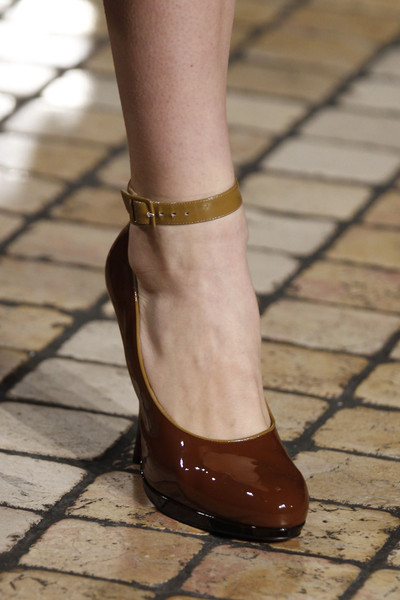 Jonathan Saunders at London Fall 2013 (Details)