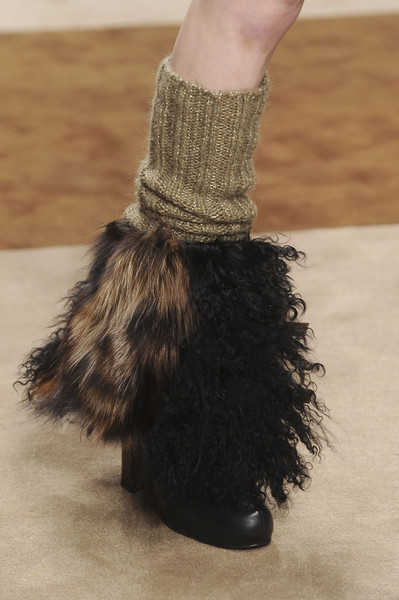 Kristina Ti at Milan Fall 2012 (Details)
