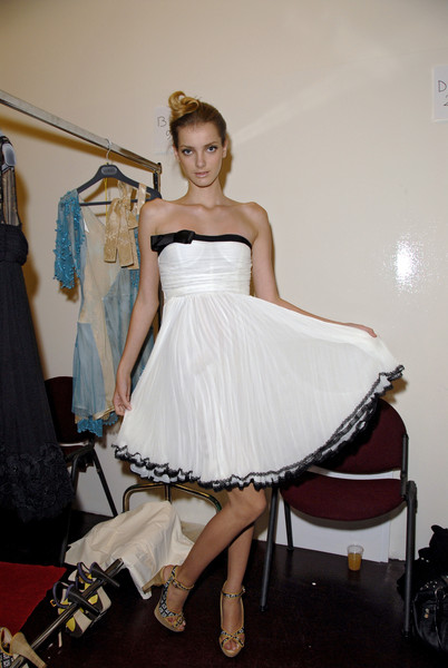 La Perla at Milan Spring 2007 (Backstage)