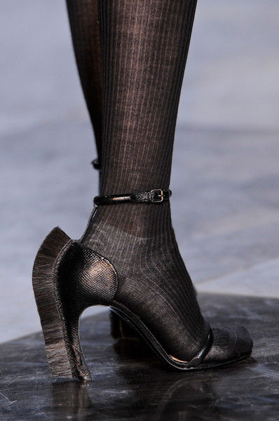 Loewe at Paris Fall 2013 (Details)