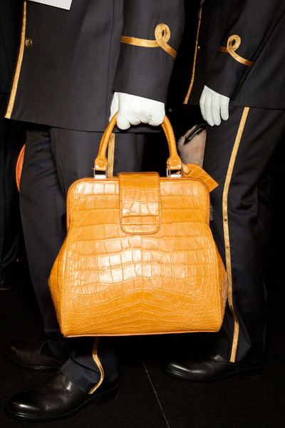 Louis Vuitton Fall 2012 - Backstage