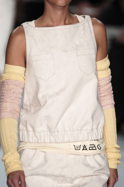 Marc by Marc Jacobs Spring 2006 - Details