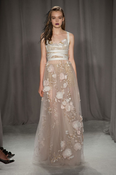 http://www4.pictures.stylebistro.com/it/Marchesa+Spring+2014+6WExU53Q5jCl.jpg