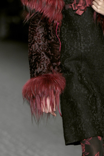 Mariella Burani at Milan Fall 2007 (Details)