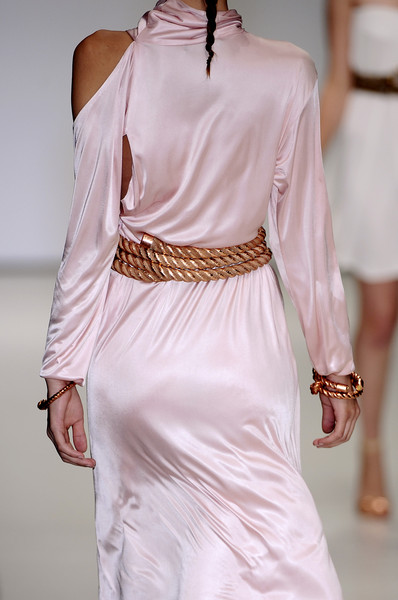 Marios Schwab at London Spring 2009 (Details)