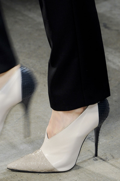 Narciso Rodriguez Fall 2013 - Details