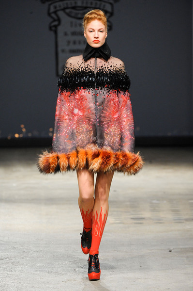 On Aura Tout Vu at Couture Spring 2012