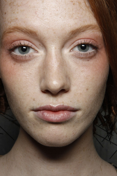 Philosophy di Alberta Ferretti at New York Spring 2012 (Backstage)