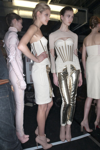 Richard Nicoll Fall 2009 - Backstage