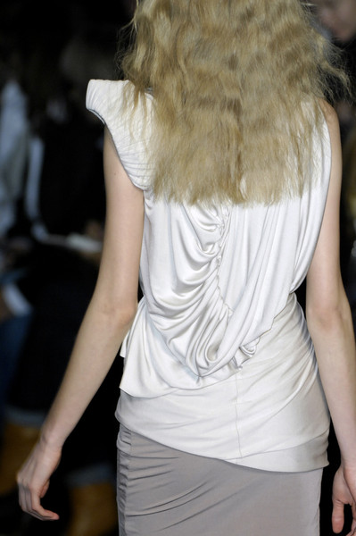 Sophia Kokosalaki at Paris Fall 2009 (Details)