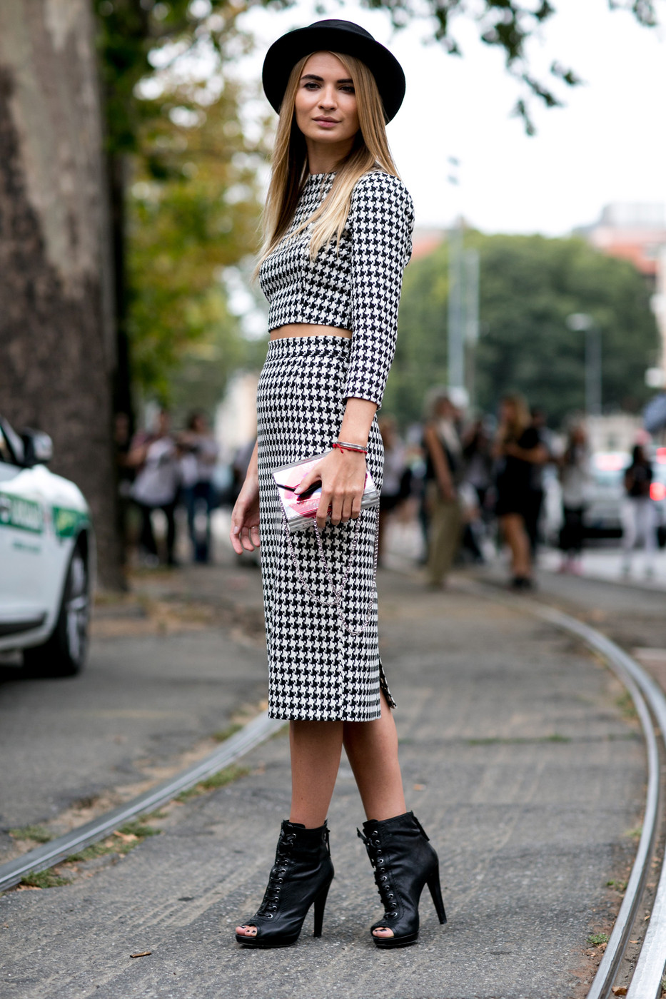 Set On Houndstooth Best Street Style At Milan Fashion Week Spring 2015 Stylebistro
