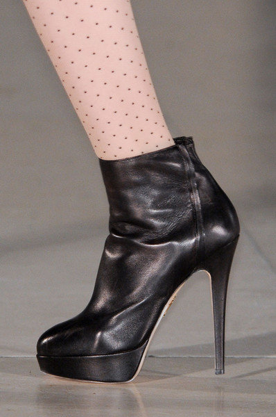 Temperley London Fall 2011 - Details