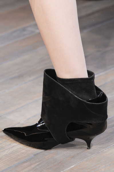 Victoria Beckham at New York Fall 2013 (Details)