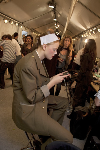 Viktor & Rolf at Paris Spring 2011 (Backstage)