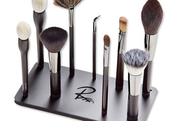 Thanks to These Magnetic Brushes, You'll Never Lose Your Makeup Tools Again