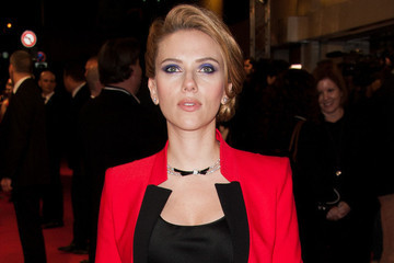 Scarlett Johansson's Pregnancy Haircut, Demi Lovato Changes Her Hair Again and More