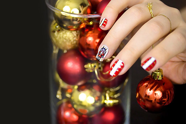 The Most Festive Holiday Nail Art