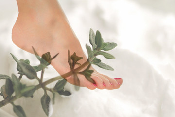 Weekend Beauty Dare: Cool Down With A Peppermint And Eucalyptus Pedi Treatment