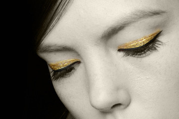 Golden Eye: Our Favorite Gilded Lids At NYFW Fall 2014