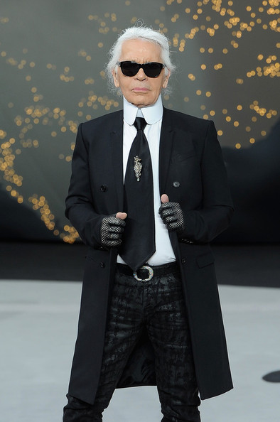 Roberto Cavalli Said WHAT About Karl Lagerfeld's Look?