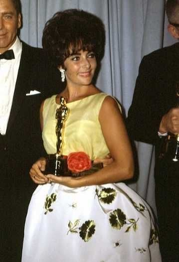 1961 Iconic Oscar Dresses From The Year You Were Born