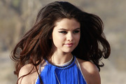 Selena Gomez Gets All Dolled Up For Her New Music Video