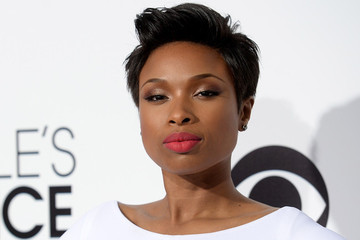 Jennifer Hudson Glows in Winter White