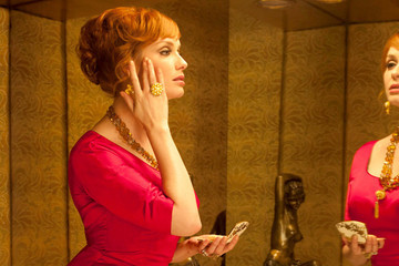 The Best Beauty Looks from the Ladies of 'Mad Men'