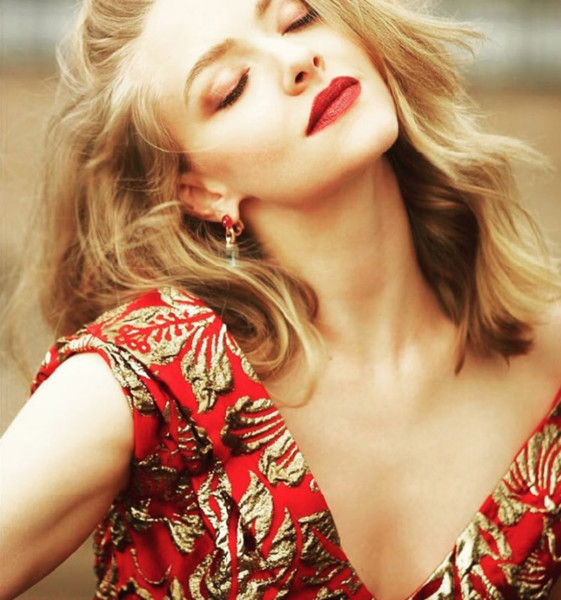 Amanda Seyfried Strikes a Pose