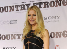 Look of the Day: Gwyneth Paltrow in Chado Ralph Rucci