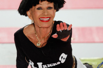 5 GIFs of Betsey Johnson's Aerobics Class, uh, Fall Fashion Week Show