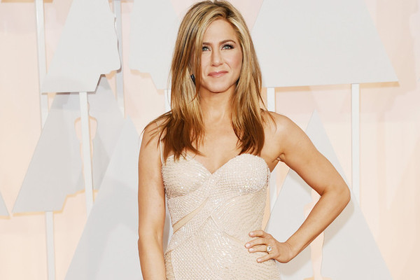 The 6 Beauty Products Jennifer Aniston Can't Live Without