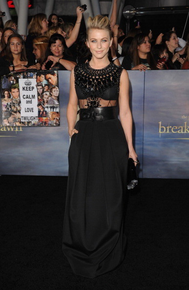 "Julianne Hough at 'The Twilight Saga: Breaking Dawn - Part 2"" Premiere"