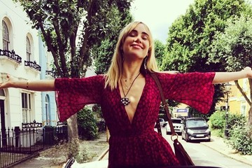 Suki Waterhouse Wears a Darling Summer Dress