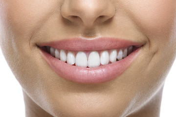 How to Whiten Your Teeth the Natural Way