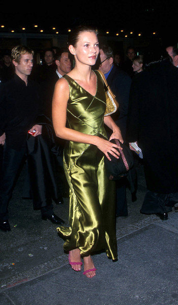 '90s Celeb Outfits We Would Wear Today
