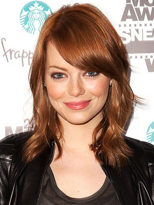 emma stone red hair color. Emma Stone has dyed her hair