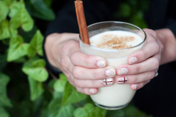Sips and Tips: Mexican Eggnog and a Touch of Sparkle Manicure